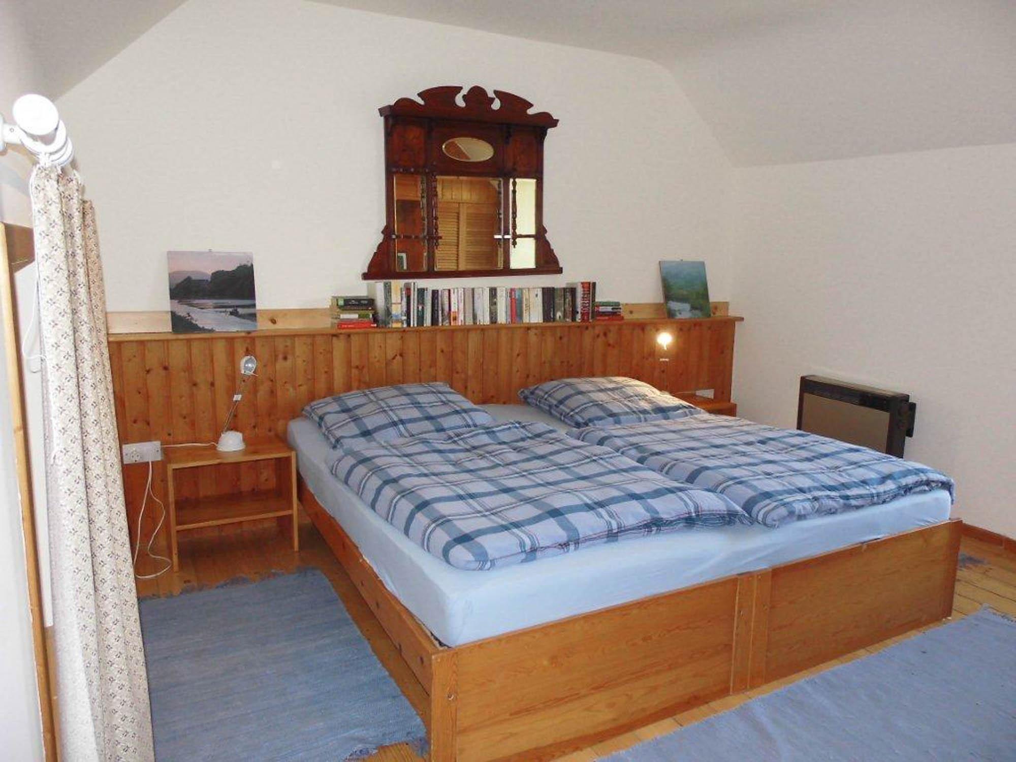 Erstes Schlafzimmer im Obergeschoss des Farmhauses